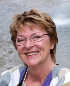 Närbild på leende Jeja Sundström